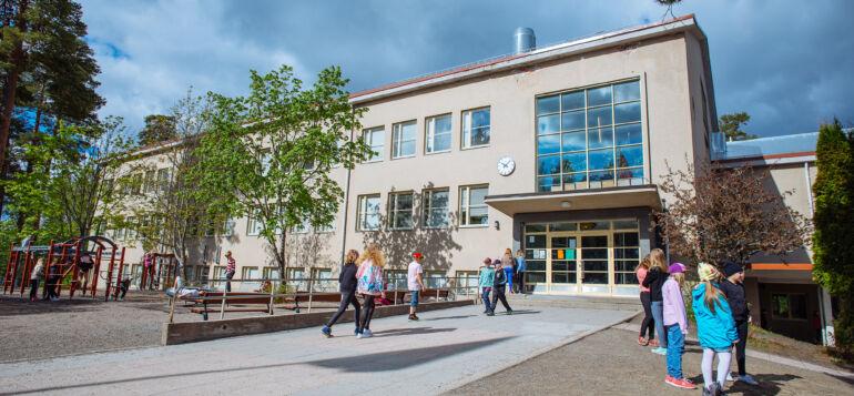 Kunnan kiinteistöihin kuuluu myös Tervakosken koulu.
