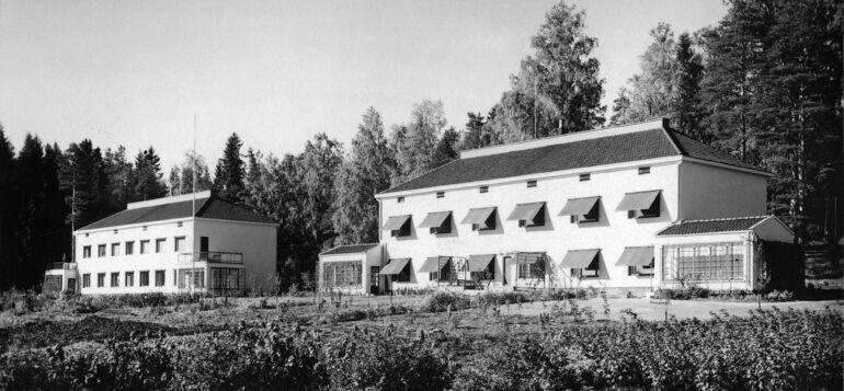 Kaksi kivitaloa vuodelta 1938