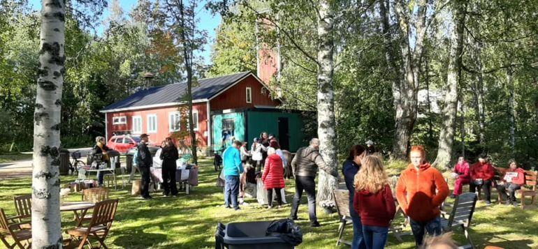 Hyvikkälän VPK:n syystapahtuma VPK-talon pihalla.